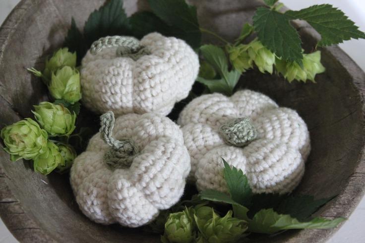 Crochê na decoração: abóboras de crochê.