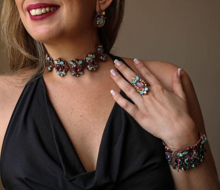 Choker pulseira maxi anel e briinco com pedras roxa e azul